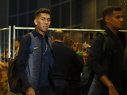 June 25, 2018 - Moscou, Rússia - MOSCOU, MO - 25.06.2018: ARRIVAL OF THE SELECTION IN MOSCOW - Roberto Firmino of the Brazilian Soccer Team arrives with crowd at the door of the Renaissance hotel in Moscow, this Monday (25) (Credit Image: © Rodolfo Buhrer/Fotoarena via ZUMA Press)