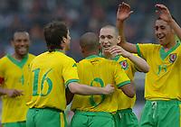 Fotball<br /> Treningskamp foran VM 2006<br /> Graz - 27.05.2006<br /> Wales v Trinidad og Tobago<br /> Foto: Gepa/Digitalsport<br /> NORWAY ONLY<br /> <br /> Danny Gabbidon, Arron Davies, Robert Earnshaw, Andrew Crofts und Lewin Nyatanga (WAL)