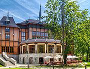 Szczawnica 2019-06.29. Dworek Gościnny – gmach teatralno-hotelowy w Szczawnicy, znajdujący się w Parku Górnym.