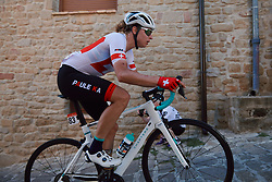 Marlen Reusser (SUI) battles up the cobbled climb at the 2020 Clasica Feminas De Navarra, a 122.9 km road race starting and finishing in Pamplona, Spain on July 24, 2020. Photo by Sean Robinson/velofocus.com
