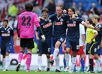 Fotball<br /> Tyskland<br /> 27.08.2011<br /> Foto: Witters/Digitalsport<br /> NORWAY ONLY<br /> <br /> Schlussjubel v.l. Torwart Miro Varvodic, Henrique Sereno, Kevin McKenna, Geromel (Koeln)<br /> <br /> Bundesliga, Hamburger SV - 1. FC Köln