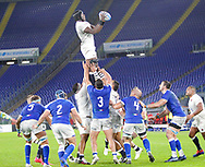 Maro Itoje (England) wins the lineout during the Guinness Six Nations 2020, rugby union match between Italy and England on October 31, 2020 at the Stadio Olimpico in Rome, Italy - Photo Luigi Mariani / LM / ProSportsImages / DPPI