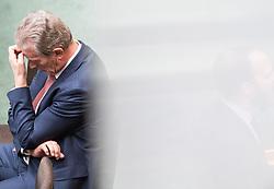 26.04.2017, Parlament, Wien, AUT, Parlament, Nationalratssitzung, Sitzung des Nationalrates mit einer Erklärung des Kanzlers und Vizekanzlers anlässlich der Sondertagung des EU Rats zu Brexit-Verhandlungen, im Bild Vizekanzler und Minister für Wirtschaft und Wissenschaft Reinhold Mitterlehner (ÖVP) // Vice Chancellor of Austria and Minister of Science and Economy Reinhold Mitterlehner during meeting of the National Council of austria at austrian parliament in Vienna, Austria on 2017/04/26, EXPA Pictures © 2017, PhotoCredit: EXPA/ Michael Gruber