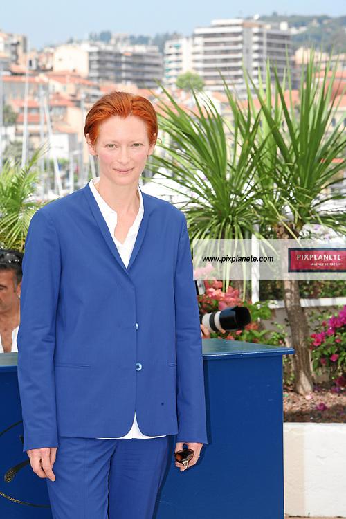 Tilda Swinton - The Man from London - Photocall Festival de Cannes 23/05/2007 - JSB / PixPlanete