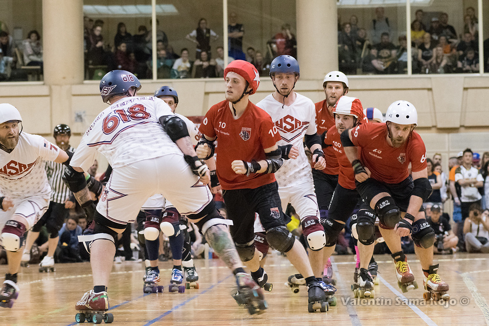 Barcelona, Spain. 08th April, 2018. Jammer of Team England, #10 Charlie Scraplin, trying to avoid the blockers of Team USA during the final of MRDWC2018. © Valentin Sama-Rojo.