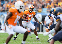 Sep 1, 2018; Charlotte, NC, USA; Tennessee Volunteers running back Madre London (31) runs the ball during the first quarter at Bank of America Stadium. Mandatory Credit: Ben Queen-USA TODAY Sports