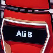 NLD/Hilversum/20190201- TVOH 2019 1e liveshow, stoel Ali B.