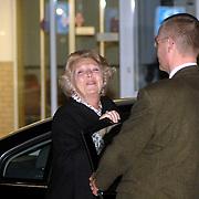 NLD/Den Haag/20070410 - Geboort 3e kind Willem Alexander en Maxima, vertrek uit het ziekenhuis van Koninging Beatrix