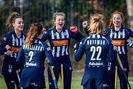 BILTHOVEN -  Hoofdklasse competitiewedstrijd dames, SCHC v hdm, seizoen 2020-2021.<br /> Foto: Team cheers hdm