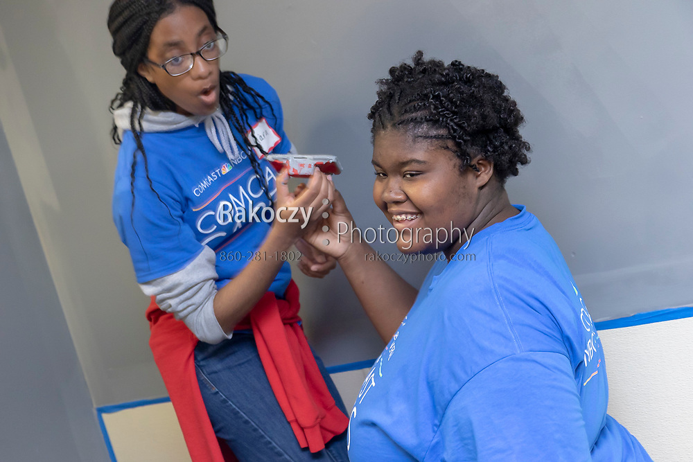 Comcast / NBCUniversal gathers vounteers once again for their Comcast Cares Day on May 4, 2019, to improve the communities they live and work in. This event was held at Jumoke Academy in Hartford, CT and included landscaping, painting, cleaning and organization, and craft projects.