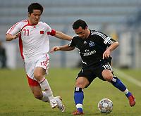 Fotball<br /> Tyskland<br /> Foto: Witters/Digitalsport<br /> NORWAY ONLY<br /> <br /> 12.01.2008<br /> Junze Zhao, Piotr Trochowski <br /> <br /> Hamburger SV - Kina <br /> Fussball Dubai Football Challenge 2008
