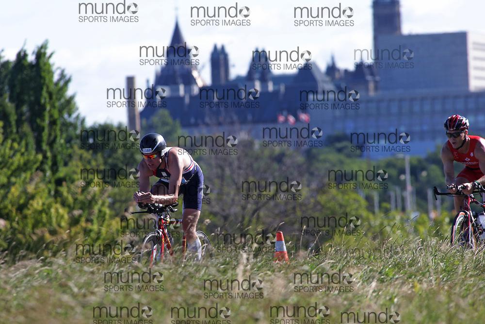 (Ottawa, Canada---10 August 2013)  Chris Brown (388)  of Great Britain (GBR) competing in the 40-44 Male AG International Triathlon Union 2013 World Duathlon Championships (10 km run- 40 km bike- 5km run).