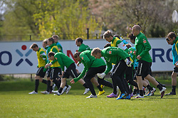 21.04.2010, Trainingsplatz, Bremen, GER, 1.FBL, Werder Bremen Training, im Bild  aufwaermtraining vorne die beiden Keeper Felix Wiedwald und Keeper Tim Wiese ( Werder  #01)    EXPA Pictures © 2010, PhotoCredit: EXPA/ nph/  Kokenge / SPORTIDA PHOTO AGENCY