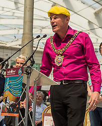 Manchester's lord mayor Carl Austin-Behan speaking at a tribute event in memory of Victoria Wood. Held at Manchester Victoria Station, the station was renamed Victoria Wood Station for the duration of the event.<br /> <br /> (c) John Baguley   Edinburgh Elite media