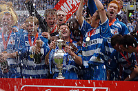 Photo: Kevin Poolman.<br /> Reading v Queens Park Rangers. Coca Cola Championship. 30/04/2006. Graeme Murty lifts the Championship trophy.