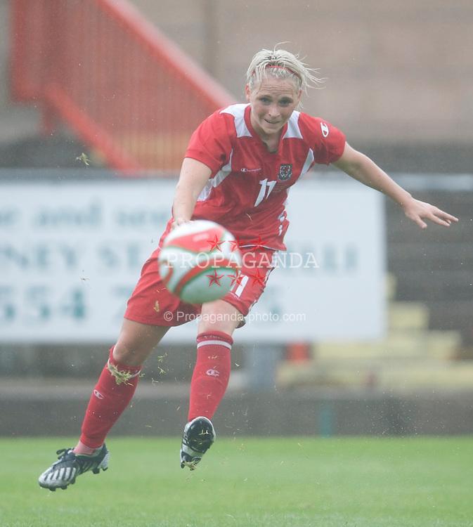 LLANELLI, WALES - Sunday, August 23, 2009: Wales' Jessica Fishlock in action against Slovenia during a friendly international match at Stebonheath Park. (Pic by David Rawcliffe/Propaganda)