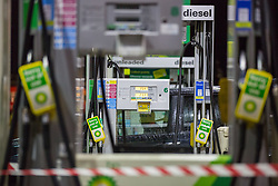 © Licensed to London News Pictures.  01/10/2021. London, UK. A closed petrol station in Wandsworth, south London, in the early morning. As the eighth day of the fuel crisis continues, amid fears of petrol running out due to a shortage of HGV drivers.  Photo credit: Marcin Nowak/LNP