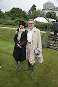 FLO AND STEPHEN BAYLEY, Cartier Style et Luxe lunch. Goodwood.  24 June 2007.  -DO NOT ARCHIVE-© Copyright Photograph by Dafydd Jones. 248 Clapham Rd. London SW9 0PZ. Tel 0207 820 0771. www.dafjones.com.