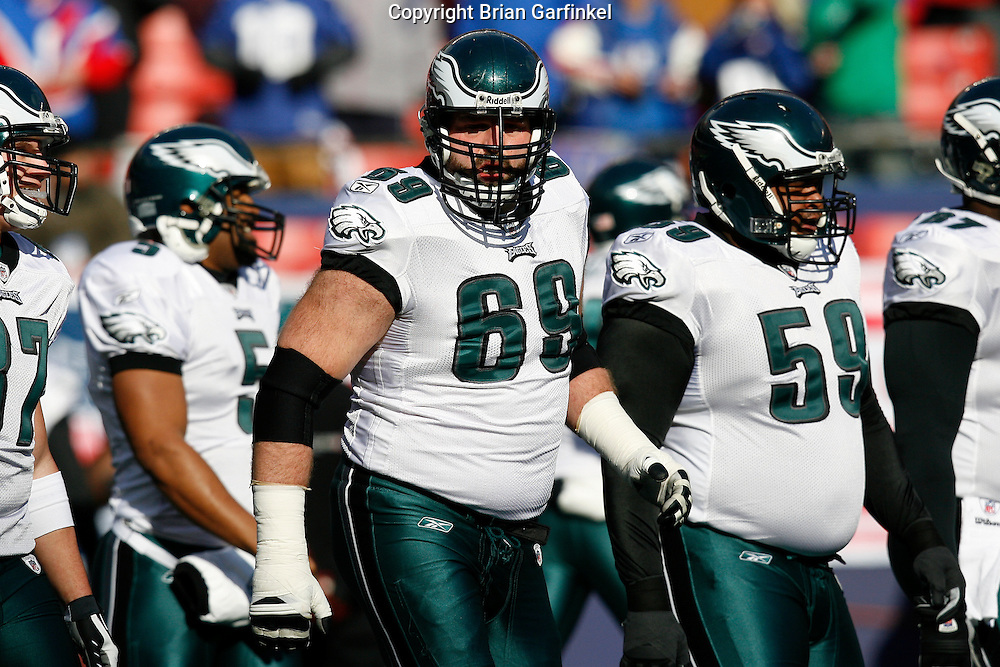 11 Jan 2009: Philadelphia Eagles offensive tackle Jon Runyan #69 before the game against the New York Giants on January 11th, 2009.  The  Eagles won 23-11 at Giants Stadium in East Rutherford, New Jersey.