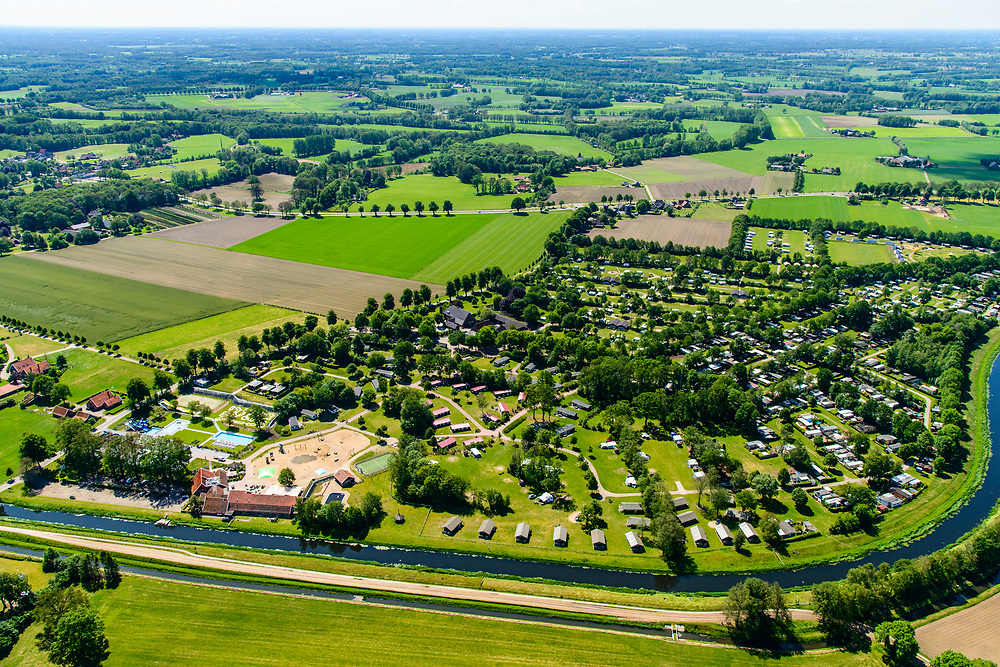 Nederland, Gelderland, Gemeente Winterswijk, 29-05-2019; vakantiepark en camping  nabij de Slingeplas en riviertje de Slinge (of Schlinge), Winterswijk Miste, Achterhoek.<br /> Holiday park and campsite near the Slingeplas and river Slinge (or Schlinge), Winterswijk Miste.<br /> <br /> luchtfoto (toeslag op standard tarieven);<br /> aerial photo (additional fee required);<br /> copyright foto/photo Siebe Swart