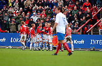 Fotball, Eliteserien, 31052004, Alfheim Stadion i Tromsø, Tromsø IL (TIL) - Vålerenga (VIF) 2-0, OLe Martin Årst jubler med resten av TIL<br /> FOTO: KAJA BAARDSEN/DIGITALSPORT