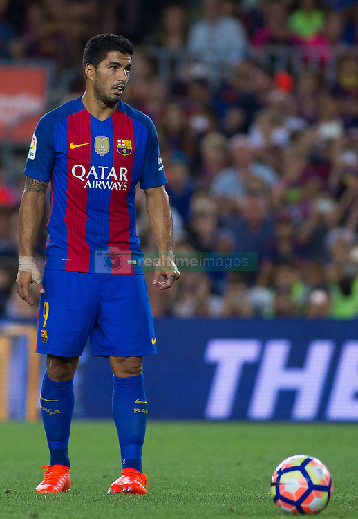 August 10, 2016 - Barcelona, Spain - Luis Suárez. 51st edition of the Joan Gamper Trophy between FC Barcelona and Sampdoria. Camp Nou, Barcelona, Spain. August 10th., 2016. Barça win 3-2  thanks to goals from Messi (2) and Luis Suárez. Budimir and Muriel for Sampdoria (Credit Image: © Eric Alonso/VW Pics via ZUMA Wire/ZUMAPRESS.com)