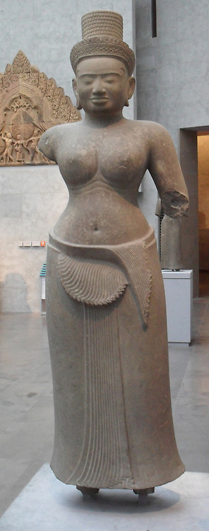 Female divinity. Last quarter of the 9th Century. Style of Preah Ko (875-900). Sandstone sculpture from Cambodia
