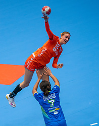 Kelly Dulfer of Netherlands, Elisabeth Omoregie of Slovenia in action during the Women's friendly match between Netherlands and Slovenia at De Maaspoort on march 19, 2021 in Den Bosch, Netherlands (Photo by RHF Agency/Ronald Hoogendoorn)