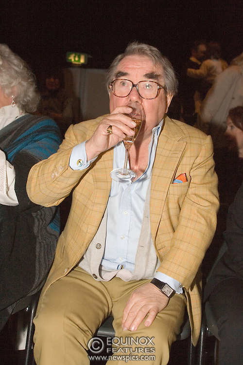Ronnie Corbett, comedian at the Michiko Koshino show at London Fashion Week 2006. at London Fashion Week 2006. Season Autumn/Winter 2006/07. The show was at the Natural History Museum in South Kensington, London.<br /> Copyright: ©2006 Licensed to Equinox News Pictures Ltd.<br /> Contact: Equinox Features +448700 780000<br /> Date Taken: 20060214<br /> Time Taken: 135812+0000<br /> www.newspics.com