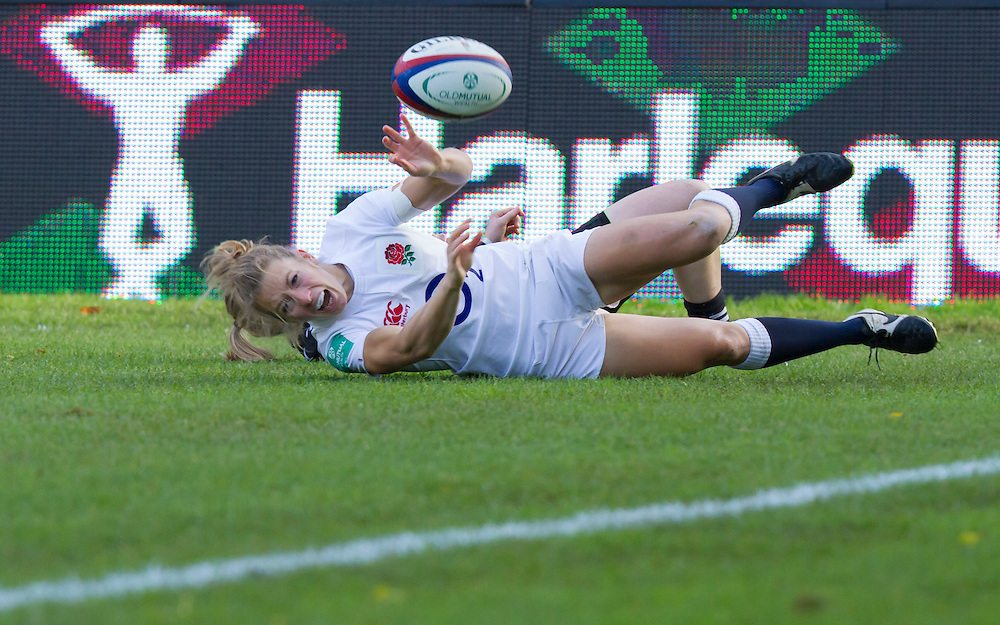 Fiona Pocock gets past Kendra Cocksedge to score a try, England Women v New Zealand Women in an Old Mutual Wealth Series, Autumn International match at Twickenham Stoop, Twickenham, England, on 19th November 2016. Full Time score 20-25