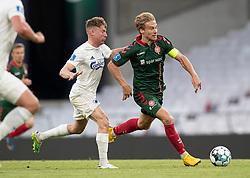 Tom van Weert (AaB) jagtes af Pep Biel (FC København) under kampen i 3F Superligaen mellem FC København og AaB den 17. juni 2020 i Telia Parken, København (Foto: Claus Birch).