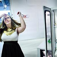 Nederland, Zaandam , 30 november 2011..Sieradenontwerpster Laura Klaassens temidden van haar creaties op de kunstafdeling van Loods 5 in Zaandam..Om haar nek hangt een zelfontworpen halsketting..Foto:Jean-Pierre Jans