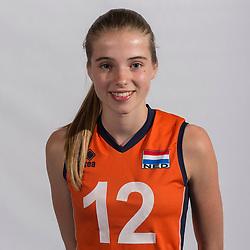07-06-2016 NED: Jeugd Oranje meisjes <2000, Arnhem<br /> Photoshoot met de meisjes uit jeugd Oranje die na 1 januari 2000 geboren zijn / Rianne Vos