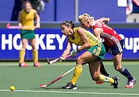 THE HAGUE - South Africa (RSA) vs England. Marsha Cox with Alex Danson. COPYRIGHT KOEN SUYK