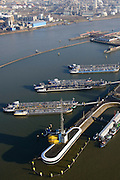 Nederland, Zuid-Holland, Rotterdam, 18-02-2015. Botlek, Geulhaven met Verkeerscentrale Rotterdam. Binnenvaarttankers liggen voor anker. LBC tank terminals.<br /> Main harbor traffic station, moored inland tankers and oil terminals.<br /> luchtfoto (toeslag op standard tarieven);<br /> aerial photo (additional fee required);<br /> copyright foto/photo Siebe Swart