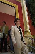 Mark Wallinger. Venice Biennale. 8 June 2001. © Copyright Photograph by Dafydd Jones 66 Stockwell Park Rd. London SW9 0DA Tel 020 7733 0108 www.dafjones.com