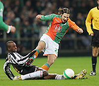 v.l. Patrick Vieira, Torsten Frings Bremen<br /> Champions League Achtelfinale SV Werder Bremen - Juventus <br /> Norway only