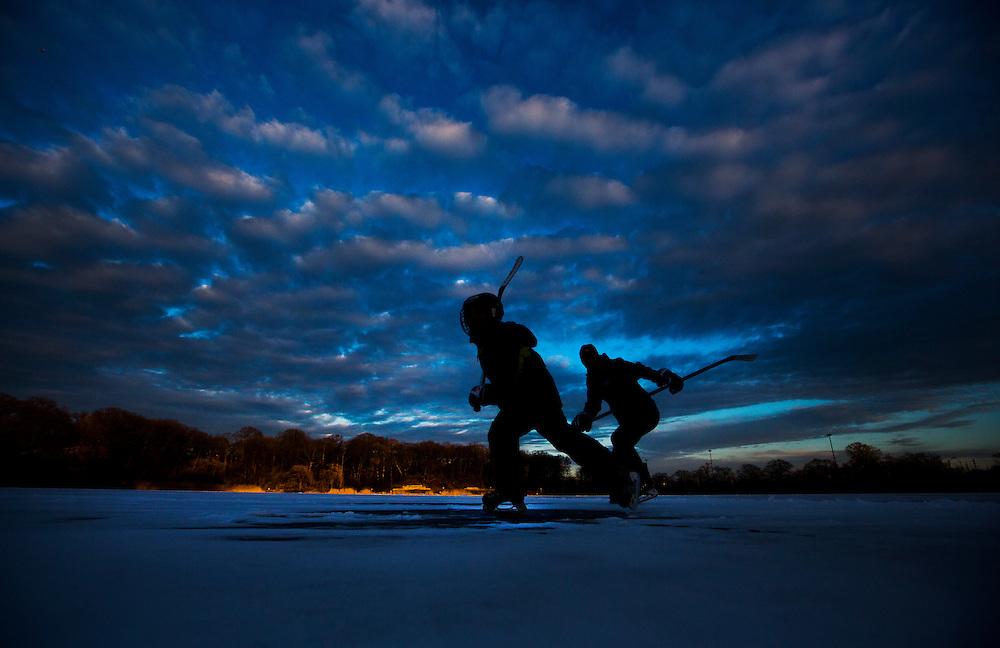 Toronto, Ontario - January 27, 2015 -- Skating -- People skate on Grenadier Pond in Toronto, Tuesday January 27, 2015