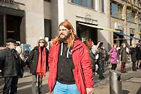 DEU, Deutschland, Germany, Berlin, 18.04.2015: Simon Kowalewski (MdA Berlin, Piratenpartei) bei der Demonstration gegen die geplanten Freihandelsabkommen TTIP/CETA zwischen der EU und den USA/Kanada.