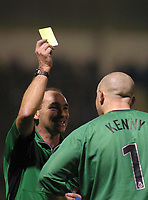 Photo: Jo Caird<br /> Gillingham v Sheffield United<br /> Priestfield Stadium<br /> Nationwide Div One 2004<br /> 10/01/2004.<br /> <br /> REF ROBINSON YELLOW CARDS KEEPER PADDY KENNY