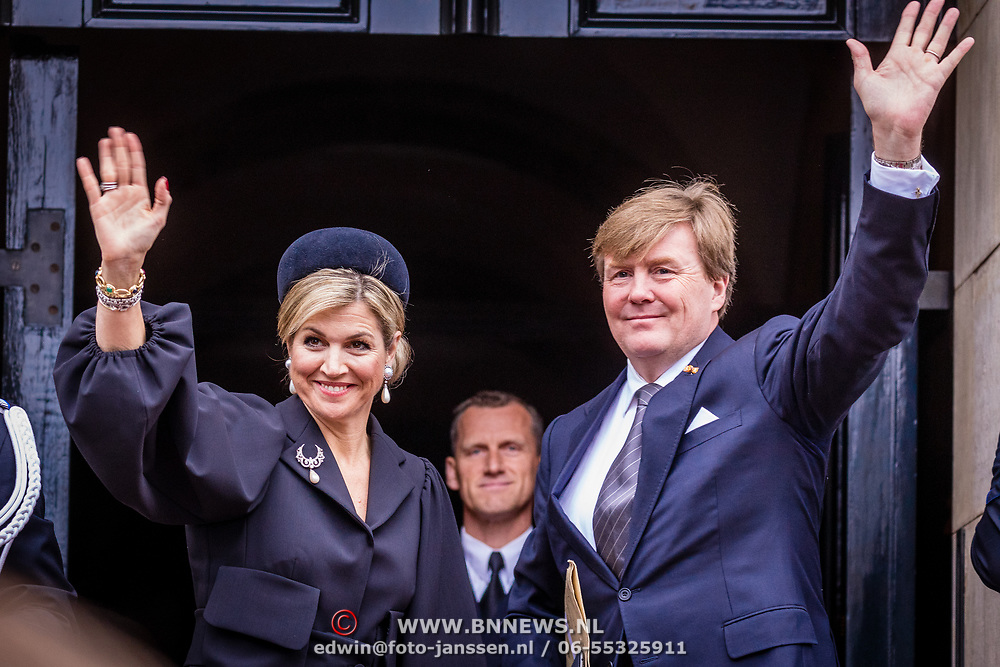 NLD/Amsterdam/20170504 - Nationale Herdenking 2017, aankomst Willem-Alexander en Maxima bij Paleis op de Dam