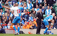 Photo. Daniel Hambury, Digitalsport<br /> Arsenal v Blackburn Rovers. <br /> FA Cup Semi Final.<br /> 16/04/2005.<br /> Blackburn Rovers' manager Mark HUghes tries to get his point accross.