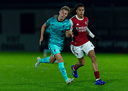 LONDON, ENGLAND - Friday, October 30, 2020: Liverpool's substitute Paul Glatzel (L) and Arsenal's Miguel Azeez during the Premier League 2 Division 1 match between Arsenal FC Under-23's and Liverpool FC Under-23's at Meadow Park. Liverpool won 1-0. (Pic by David Rawcliffe/Propaganda)
