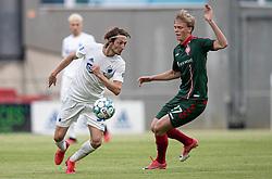 Rasmus Falk (FC København) trækker forbi Søren Tengstedt (AaB) under kampen i 3F Superligaen mellem FC København og AaB den 17. juni 2020 i Telia Parken, København (Foto: Claus Birch).