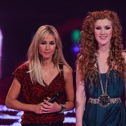 NLD/Hilversum/20111209- The Voice of Holland 2011, 2de live uitzending, Wendy van Dijk en Marieke Dollekamp