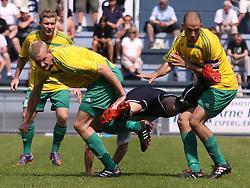 FODBOLD: Jonathan Nielsen (Helsingør) er flyvende under kampen i Danmarksserien, pulje 1, mellem Elite 3000 Helsingør og Skovlunde IF den 6. juni 2010 på Helsingør Stadion. Foto: Claus Birch