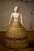 Lagoa Dourada_MG, Brasil. ..Artesanato em madeira em Lagoa Dourada, Minas Gerais...The wooden crafts in Lagoa Dourada, Minas Gerais...Foto: JOAO MARCOS ROSA / NITRO