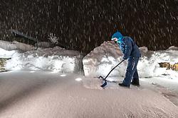 """THEMENBILD - Situation in Kals, Ortsteil Lesach, aufgenommen am Sonntag, 6. Dezember 2020, in Osttirol. Der Winter macht sich in Teilen Österreichs mit enormen Schnee- und Regenmengen bemerkbar. Die anhaltend starken Schneefälle sowie Sturm auf den Bergen haben in Osttirol die Lawinengefahr weiter ansteigen lassen. Der Lawinenwarndienst Tirol gab für Sonntag Stufe """"5"""", also die höchste Gefahrenstufe, aus // Situation at the L026 Kalser Landesstrasse near Lesach, taken on Sunday, December 6, 2020, in East Tyrol. The winter is making itself felt in parts of Austria with enormous amounts of snow and rain. The continuing heavy snowfall and storms on the mountains have further increased the danger of avalanches in East Tyrol. The Avalanche Warning Service Tyrol issued level """"5"""", the highest danger level, for Sunday. EXPA Pictures © 2020, PhotoCredit: EXPA/ Johann Groder"""
