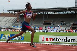 30-07-2011 ATLETIEK: NK OUTDOOR: AMSTERDAM<br /> Kadene Vassell Series 200 meter vrouwen<br /> ©2011-FotoHoogendoorn.nl / Peter Schalk