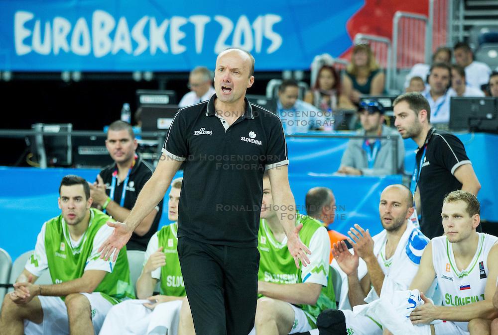 08-09-2015 CRO: FIBA Europe Eurobasket 2015 Slovenie - Nederland, Zagreb<br /> De Nederlandse basketballers hebben de kans om doorgang naar de knockoutfase op het EK basketbal te bereiken laten liggen. In een spannende wedstrijd werd nipt verloren van Slovenië: 81-74 / Jure Zdovc, head coach of Slovenia. Photo by Vid Ponikvar / RHF